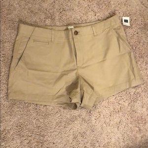 "NWT Gap size 10 khaki shorts 3"" inseam"